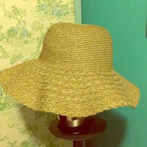 Floppy sun/beach hat